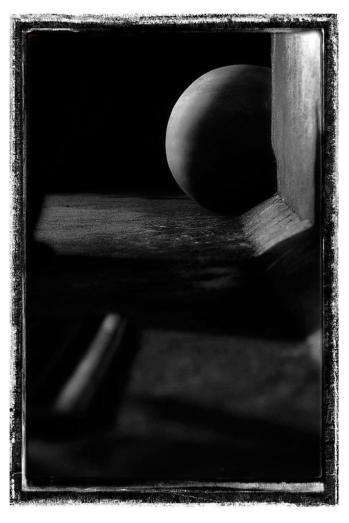 post-abstract-bw-MG-5911.jpg